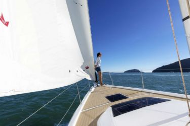 Dufour 390 Foredeck