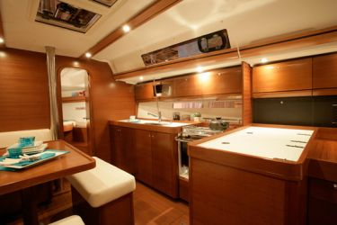 Dufour 405 Galley