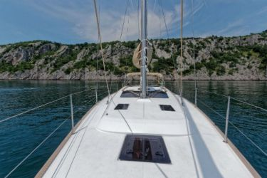 dufour-412 Foredeck