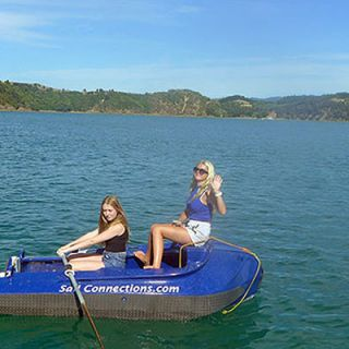 Girls without outboards