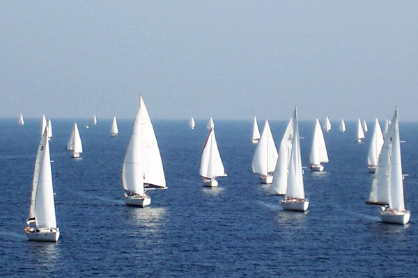 Benefits of Bareboat Sailing in Flotilla