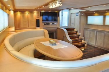 Blue Heaven saloon aft