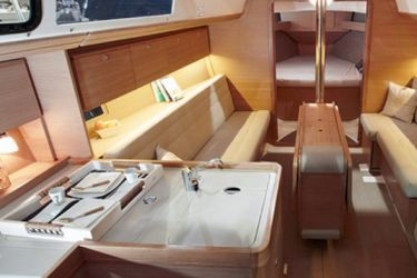 Dufour 350 Galley