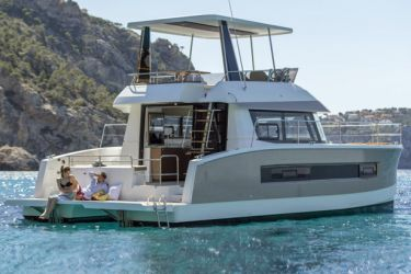 Fountaine Pajot MY37 bronze