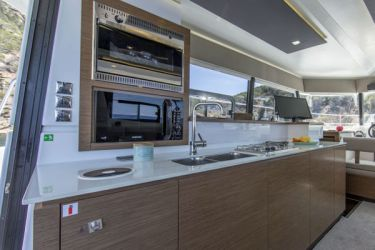 Fountaine Pajot MY37 galley