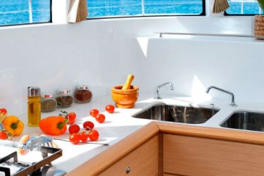 Lagoon 500 - Idea- Galley