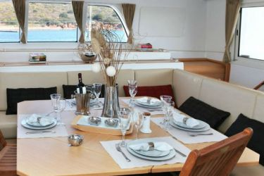 Lagoon 500 - Idea- Dining