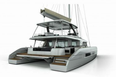 Lagoon Sixty 5 stern view