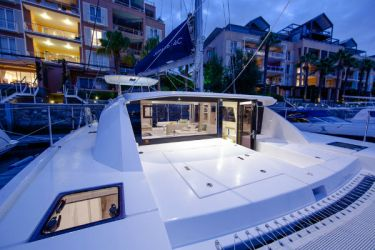 Leopard 40 Foredeck Entrance